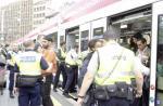 Les usagers doivent descendre des transports publics lors des contrôles effectués par la Police des transports. DR