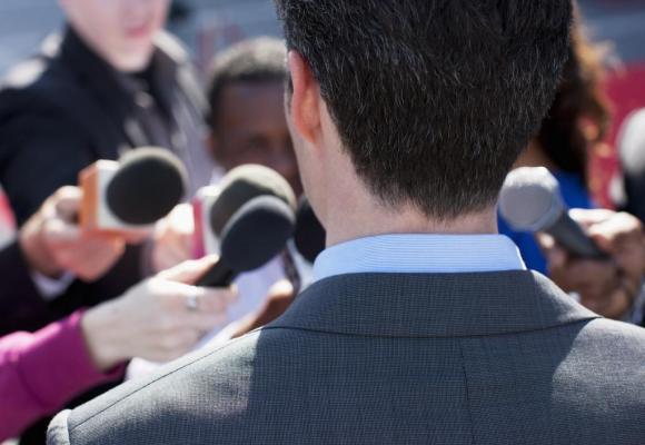 Un politique est en droit de riposter lorsqu'il est attaqué par les médias. GETTY IMAGES/PAUL BRADBURY