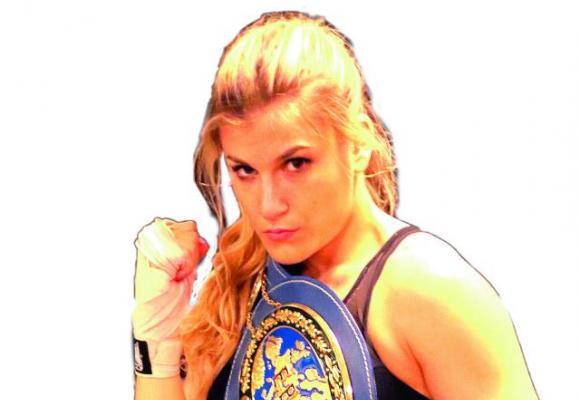 La jeune boxeuse a remporté 9 victoires  en 9 combats. BOXNIAQUE PROMOTION