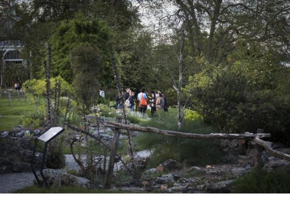 Au Jardin botanique, un riche patrimoine floral à (re)découvrir. VILLE DE GENèVE Légende. VILLE DE GENèVE