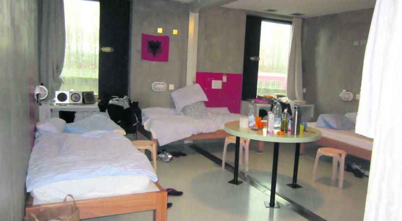 gen ve aura une prison pour l 39 ex cution des peines ghi. Black Bedroom Furniture Sets. Home Design Ideas