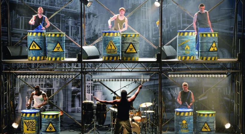 Un mélange de danses urbaines, percussions et acrobaties qui déménage. PHILIPPE FRETAULT